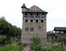 La maison forte construite entre 1985 et 1987
